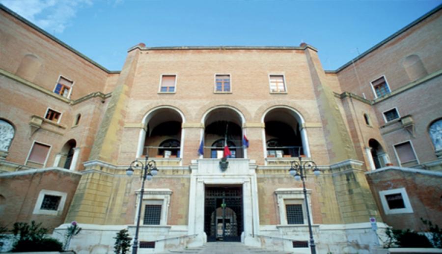 """Il """"Gran Prix dei Carrucci"""" tra folklore e tradizione nelle vie di Apricena"""